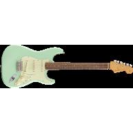 Fender Vintera '60s Stratocaster®, Pau Ferro Fingerboard, Surf Green - MIM