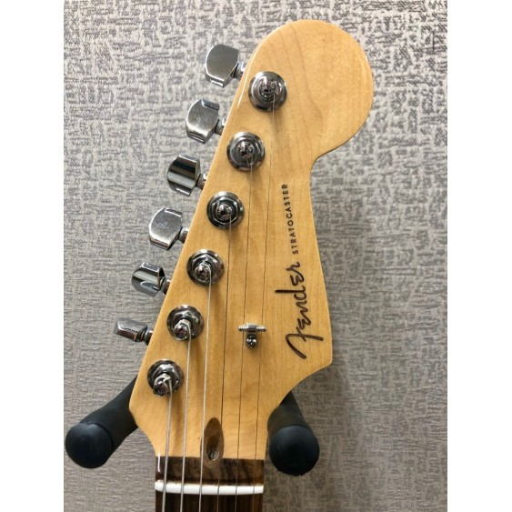 2011 American Deluxe Stratocaster, Rosewood Fingerboard, Olympic Pearl w/Case